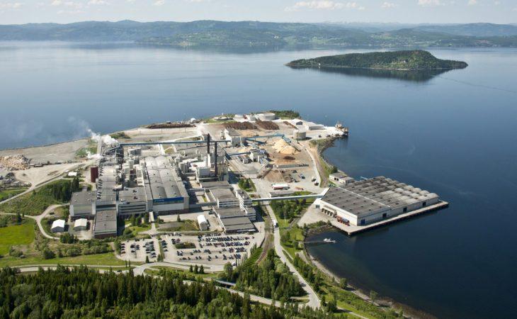 Bilde av Norsk Skog sin papirfabrikk på Skogn