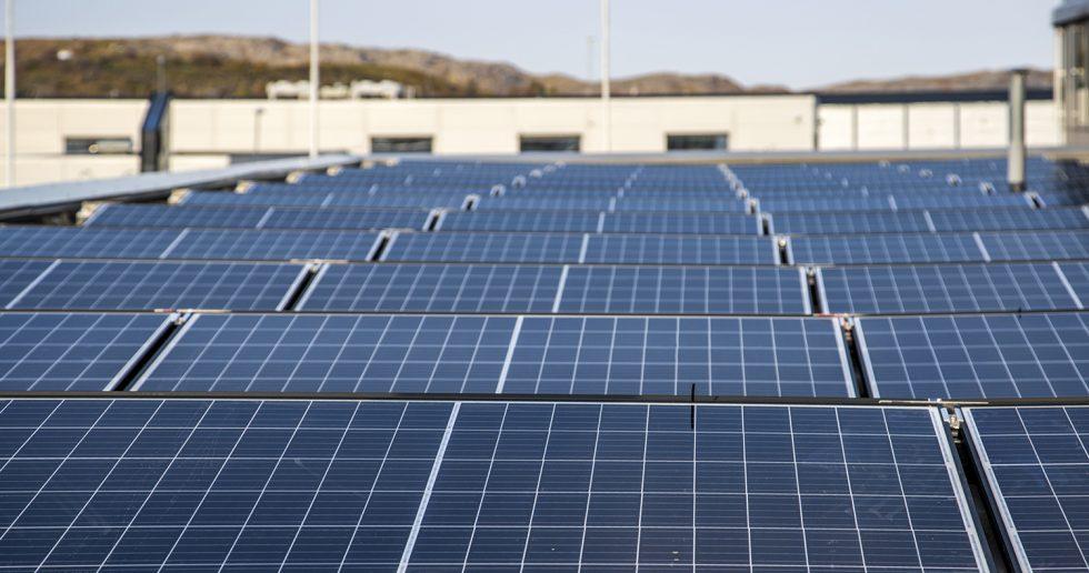 Solcelleanlegg på taket av Energihuset i Bodø