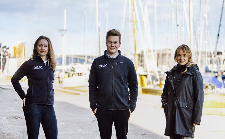 BYGGER ELBÅT-LADENETTVERK. Daglig leder Maria Bos (t.v.) og prosjektleder Bjørn Hønsi Følling i Plug og konsernsjef Jannicke Hilland i BKK forbereder seg på markedet for lading av el-båter